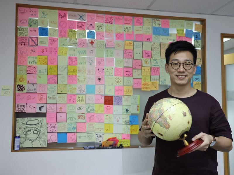 鄧緯榮是「義遊」創辦人兼行政總監,十年來致力推動「義工旅遊」項目。
