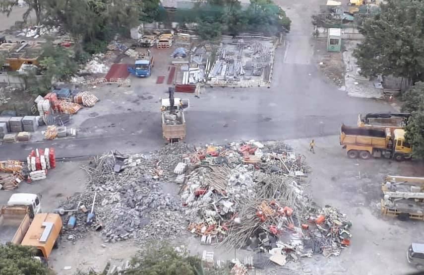 雜物被棄置在距離啟德約400米的宏照道路政署地盤內。梁咏欣 FB圖片
