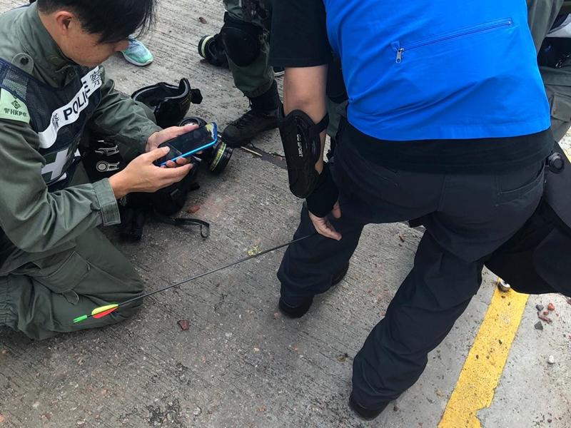 警員受傷。