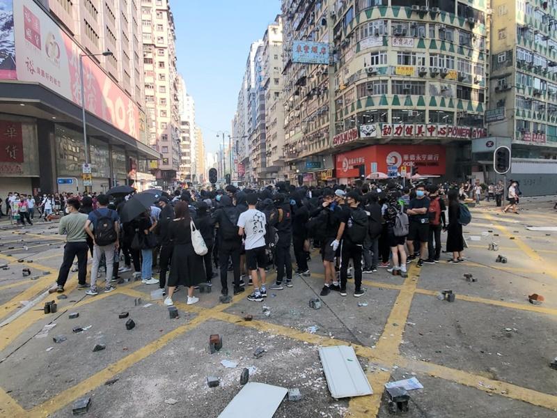 今日多區爆發示威衝突,交通受阻。