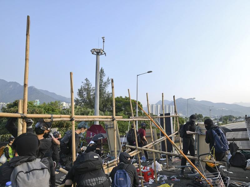 中大早前爆發示威衝突,校園一度被學生佔領及遭破壞。資料圖片