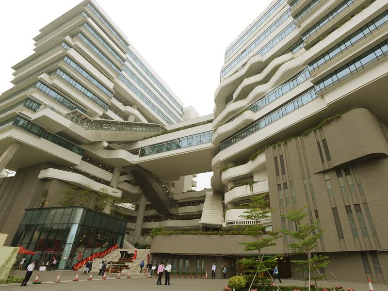 職業訓練局「香港高等教育科技學院」。資料圖片