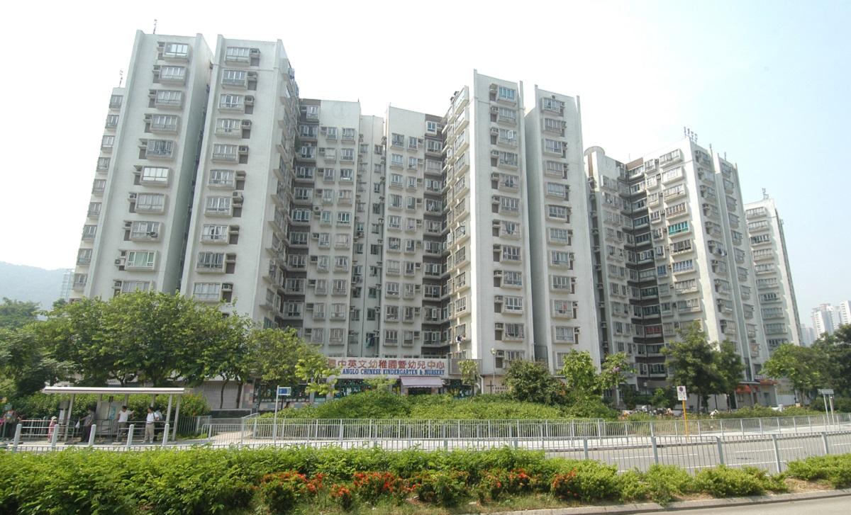 彩暉花園3房1.6萬獲承租