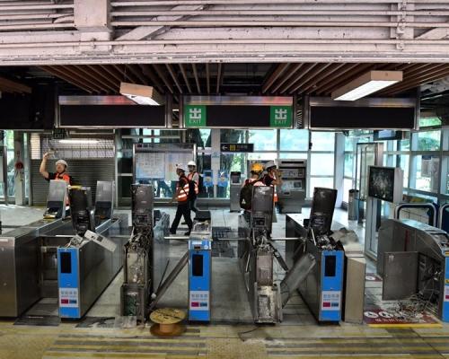 【修例風波】大學站嚴重受損毀 港鐵:近乎要重建