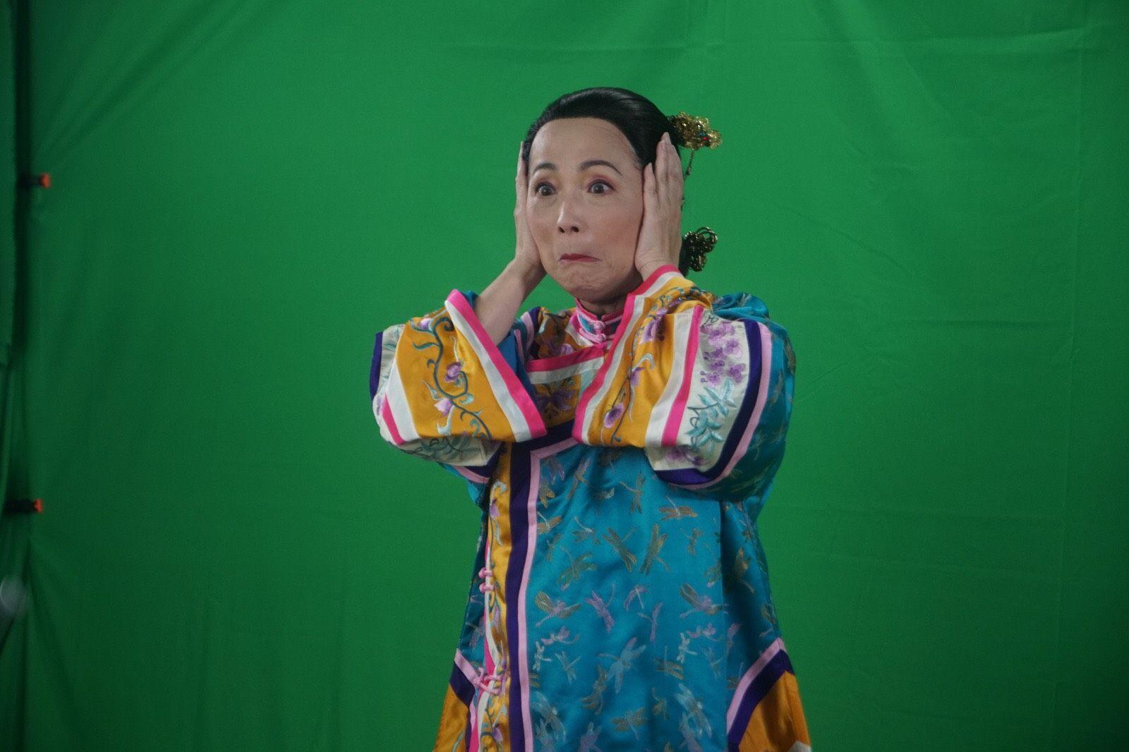 香港開電視新節目季度中,苑瓊丹會幫手做一個類似《K100》,專門介紹自己嘢的節目《開工大吉77》。