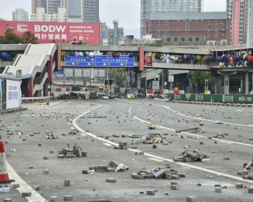 港鐵5站關閉 8條原經紅隧巴士線改行東隧及西隧