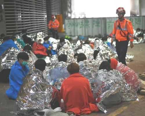 【修例風波】學生陸續受勸步離理大 大批傷者分送多間醫院