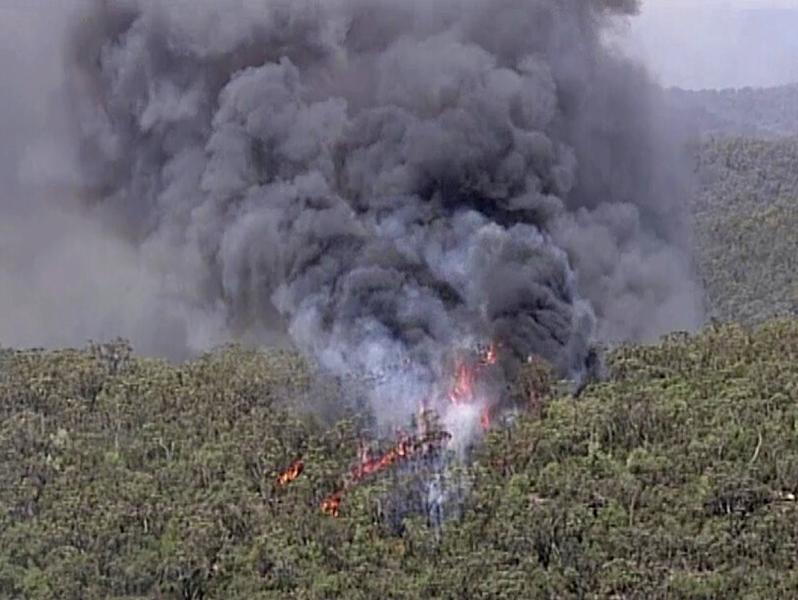 澳洲山火加劇,冒出大量濃煙。AP