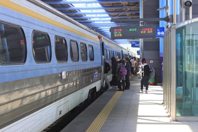 南韓鐵路工會展開無限期大罷工,高鐵地鐵火車均受影響。(網圖)