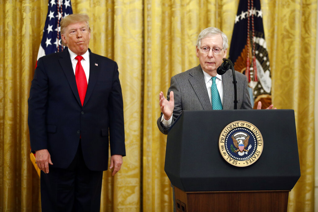 麥康奈爾告訴記者說:「對我而言,要達到足以解除總統職位的67票,是難以想像的事情。」AP
