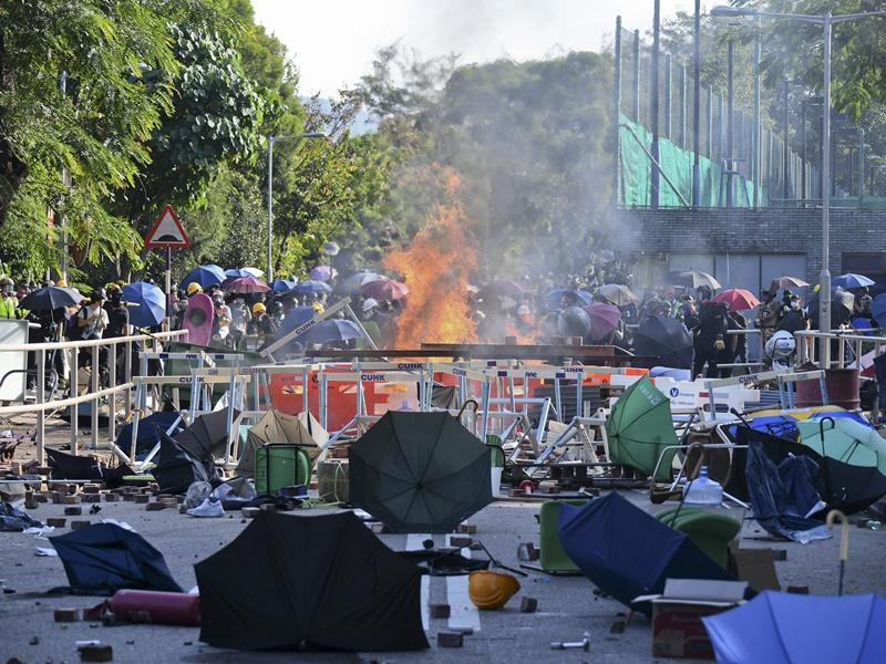 中大校園内早前爆發激烈警民衝突,校園遭破壞。資料圖片