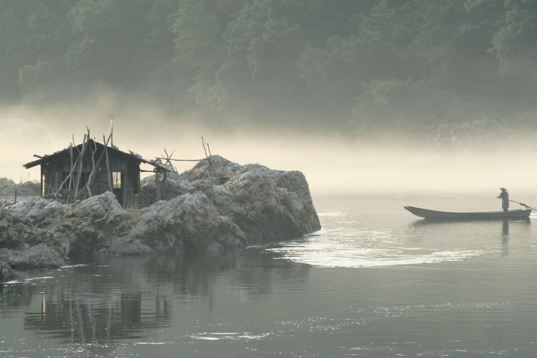 電影在福島縣霧幻峽拍攝,在杜可風鏡頭下營造了一個如詩如畫的光影世界。