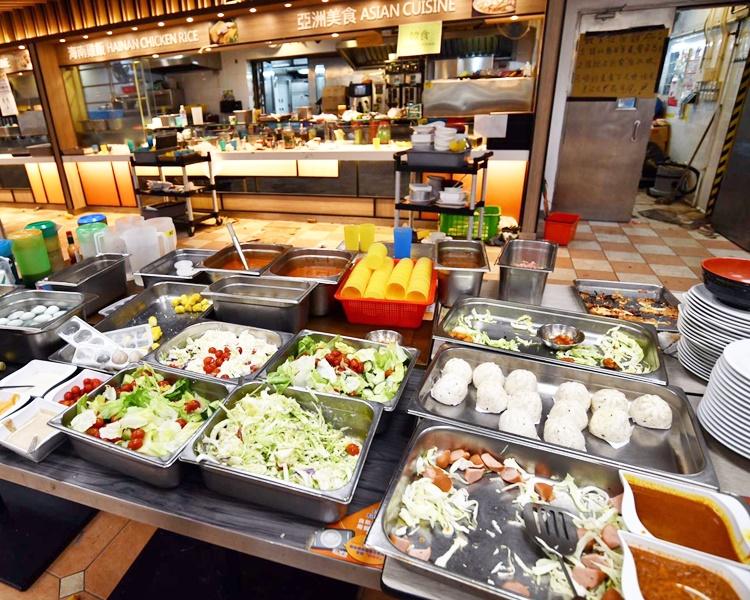 校內飯堂食物大都沒有遮蓋。