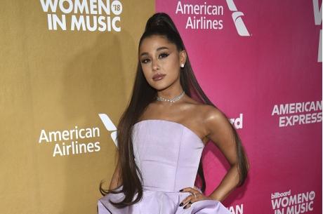 Ariana近期受怪病纏身。