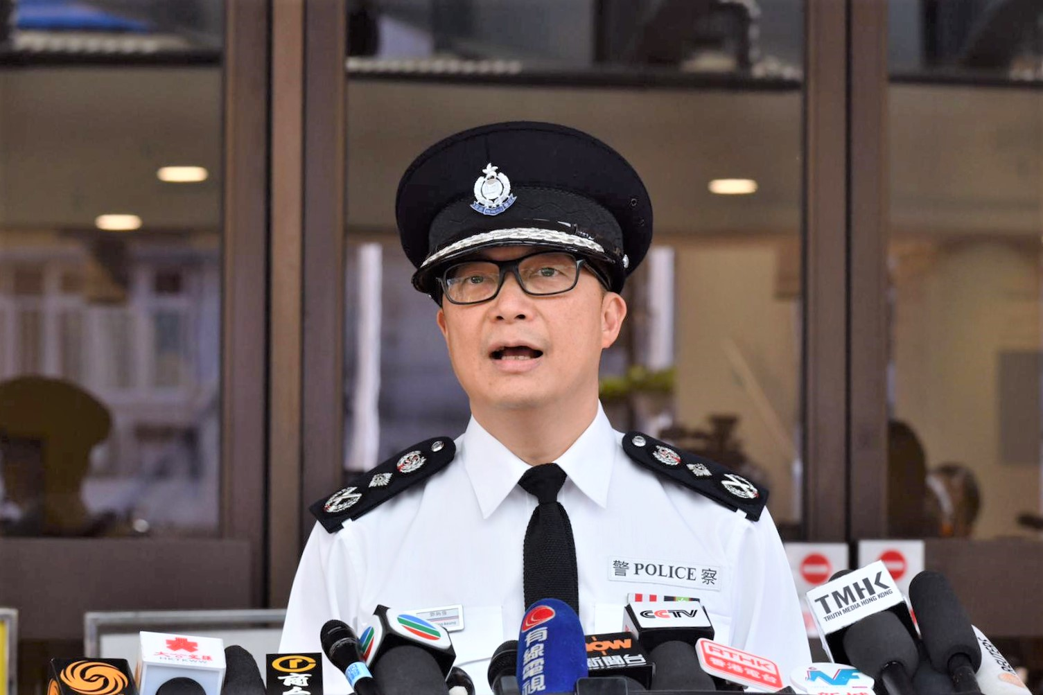 鄧炳強呼籲不要騷擾投票日,否則是與全香港700萬市民對著幹。