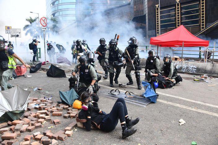 理大連日發生激烈衝突,多人被警方拘捕。 資料圖片