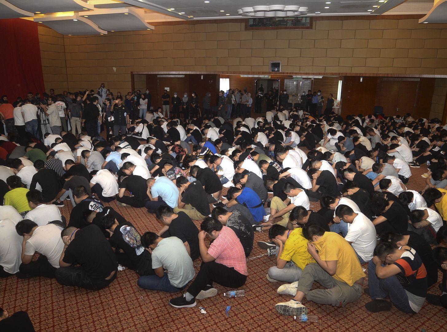 680名中國籍人員被捕。AP