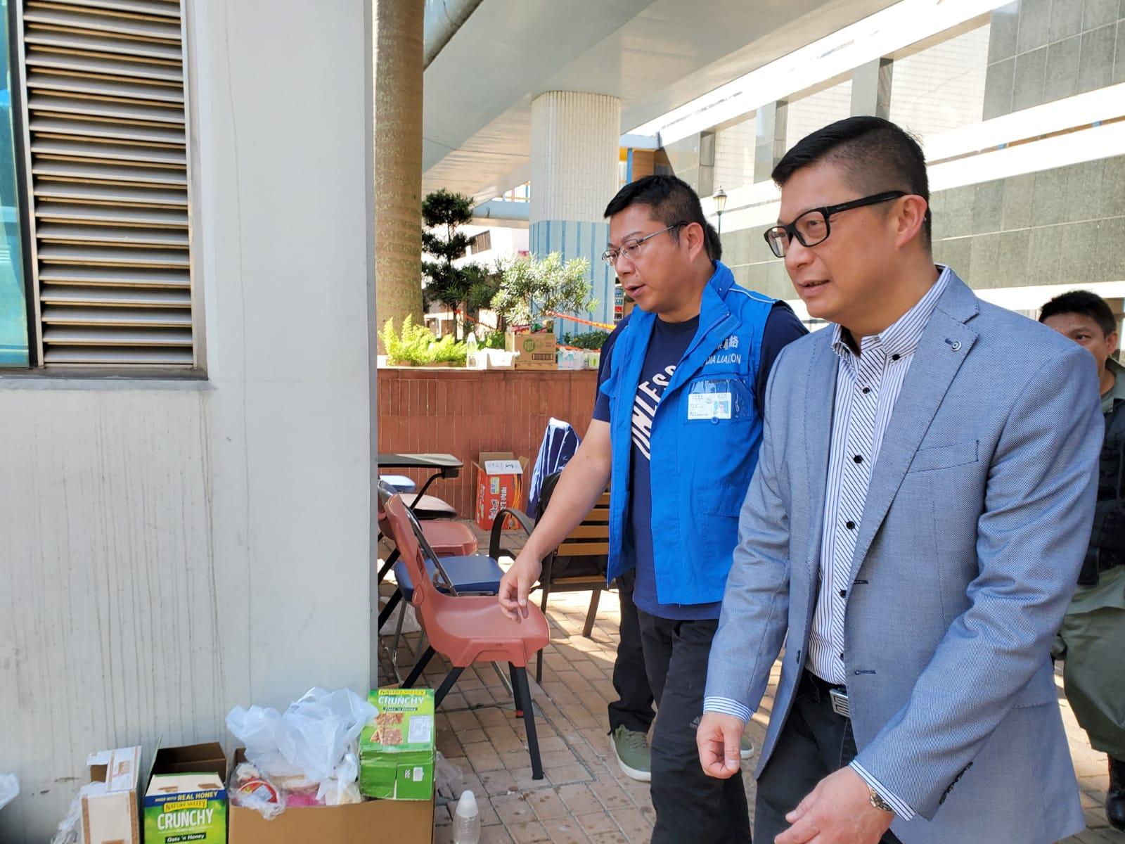 鄧炳強昨日再到理工大學巡視情況。