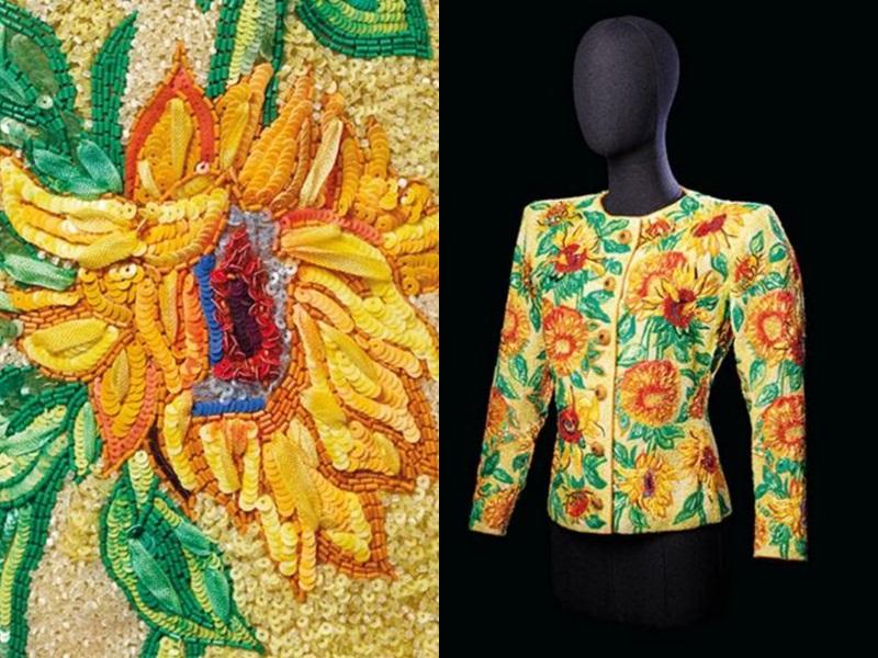 圣罗兰生前设计灵感来自梵高名画《向日葵》。网图
