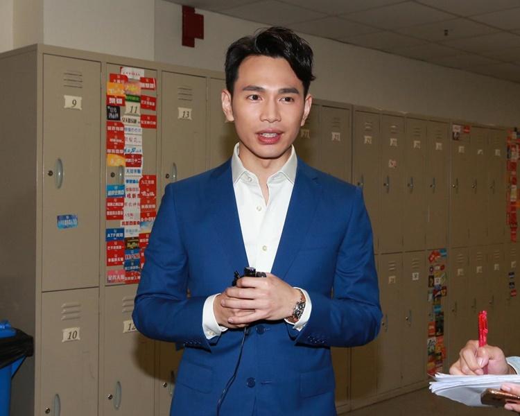 王梓軒昨日有跟黎小田說今晚唱《為你鍾情》送給他。