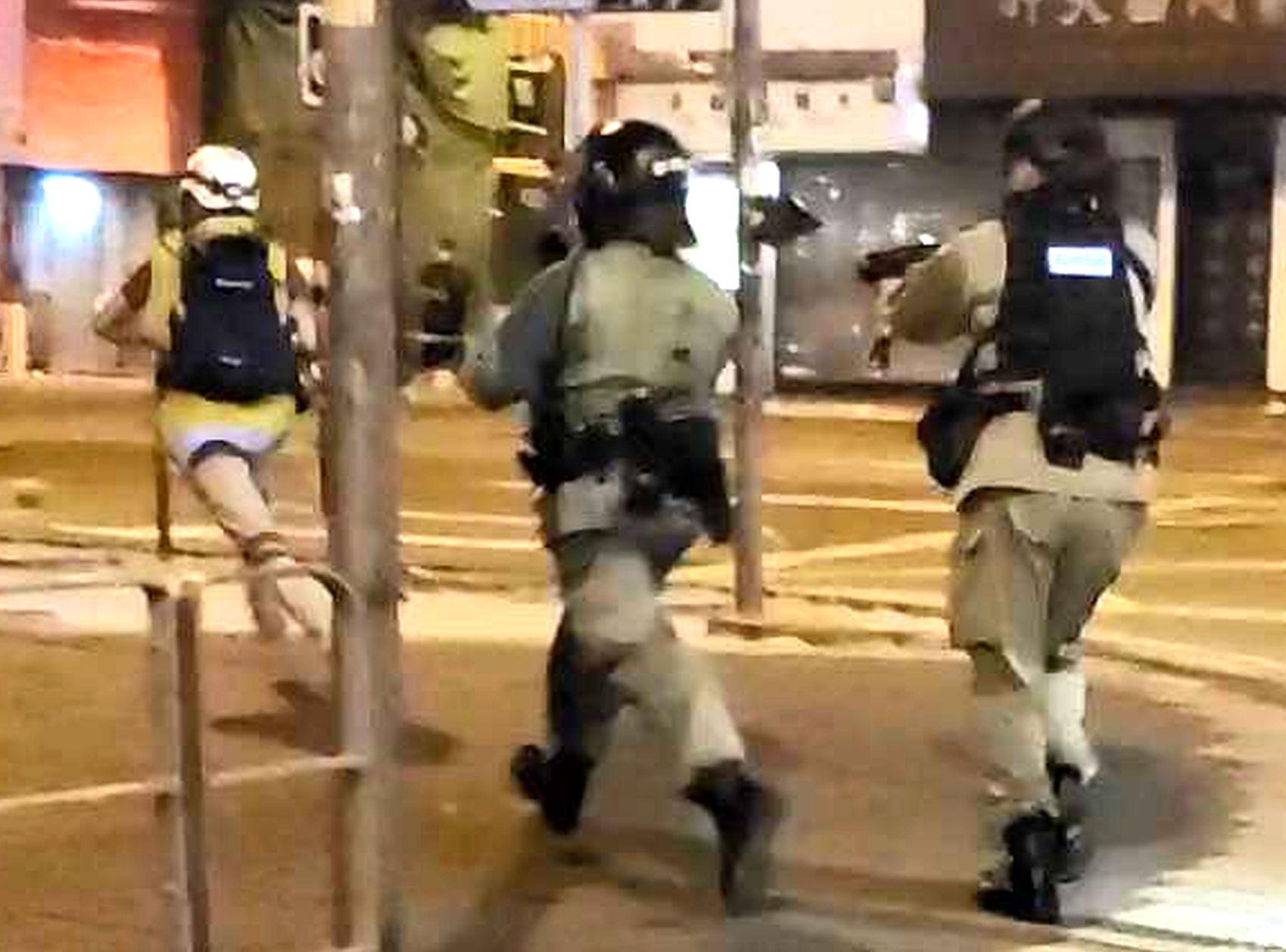 江永祥確認,懷疑向商台記者開防暴槍的警員已復職。資料圖片