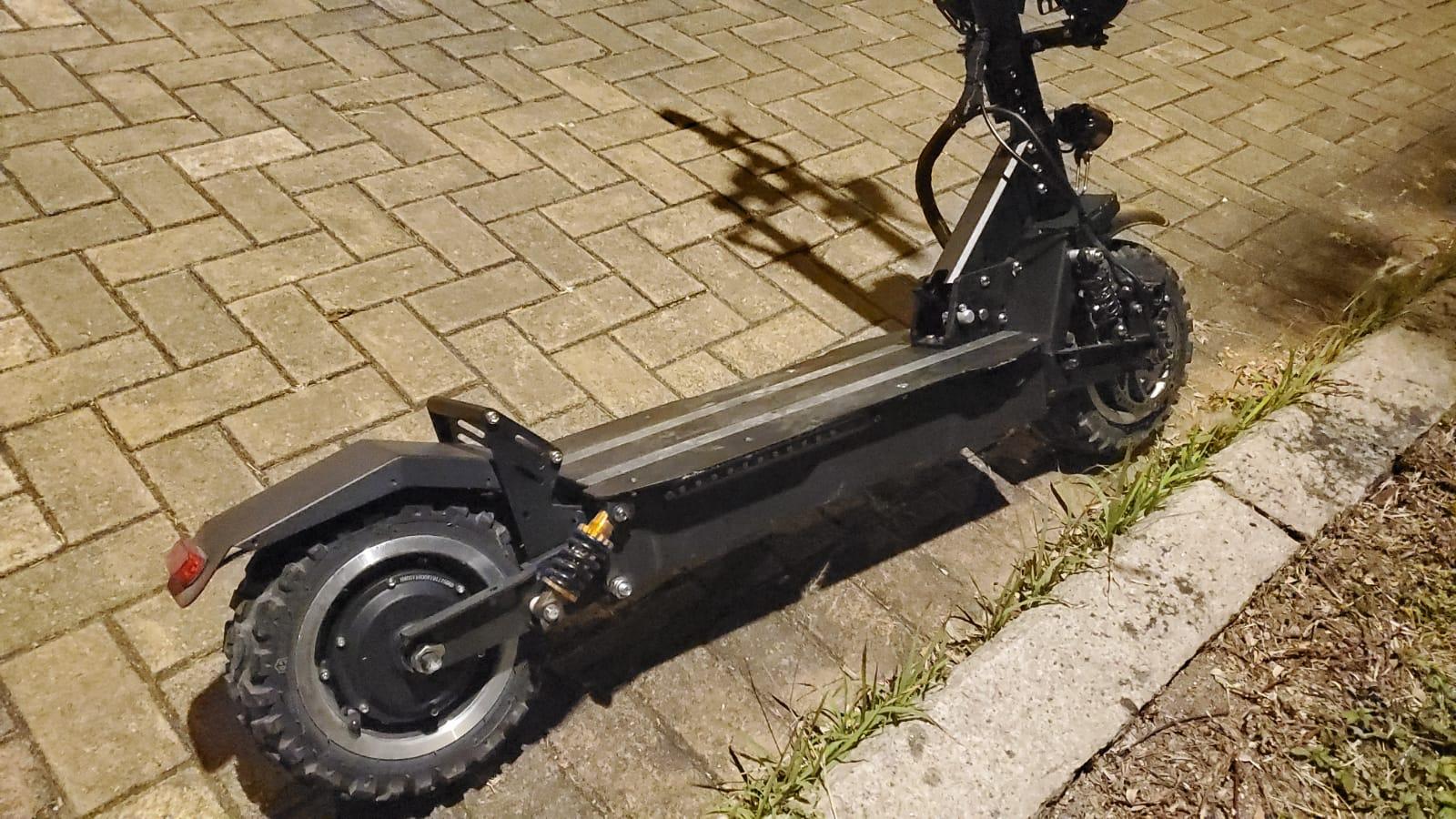 男子大埔踩電動滑板車失事墮地不治。