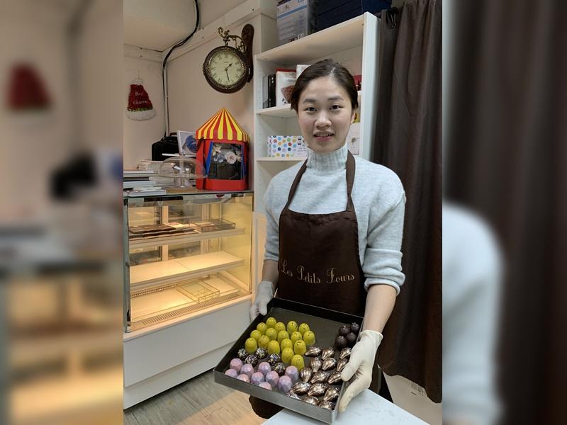 港產朱古力女工匠葉善媛(Whitney)今年首次參加世界朱古力大賽,決賽中贏得兩項銀獎。