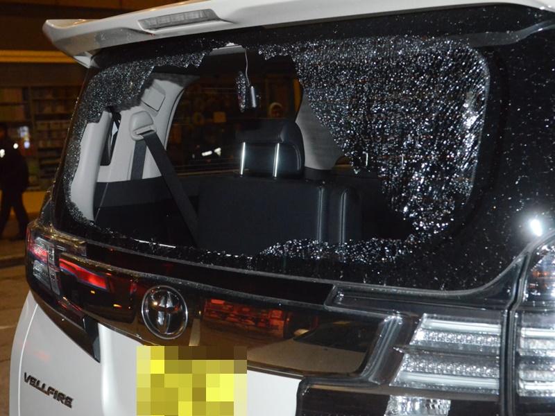 油麻地七人車遭爆竊,車主失五萬現金。