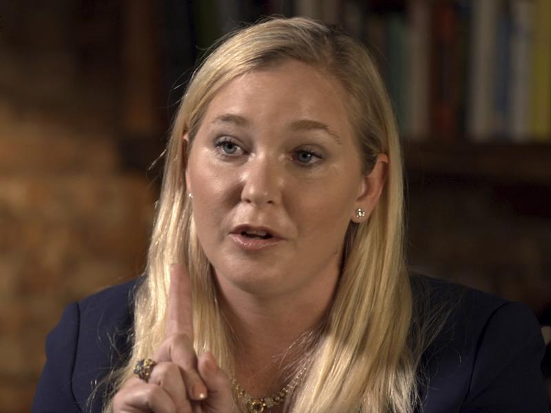 羅伯茨說2001年被愛潑斯坦帶到英國,她其後與安德魯有性行為。AP