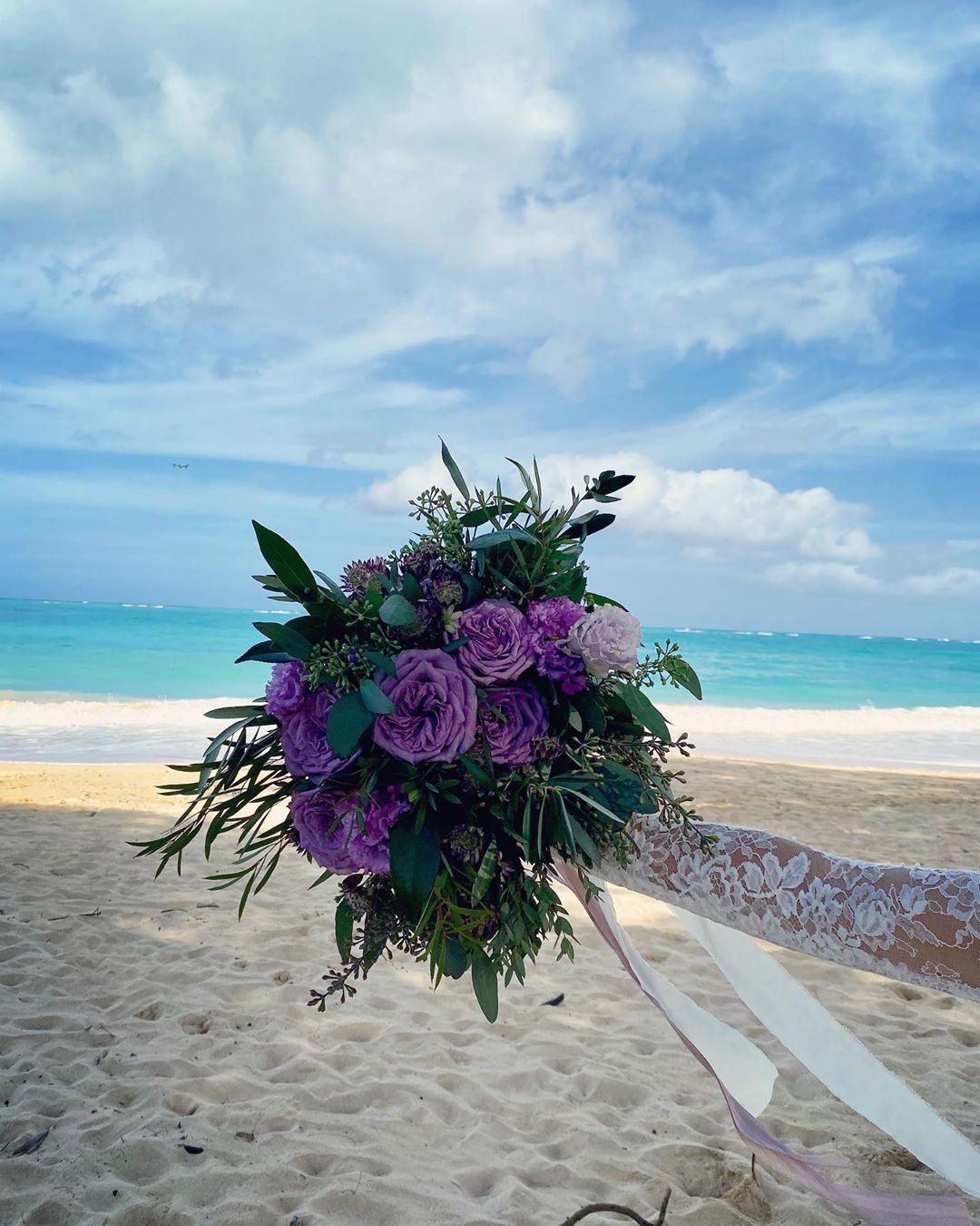 窪塚老婆在ig上載婚禮花束照片。