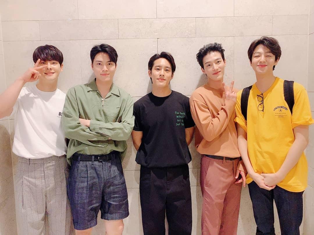 車璌河(左)是Fantagio事務所旗下演員團體Surprise U的成員。(網上圖片)