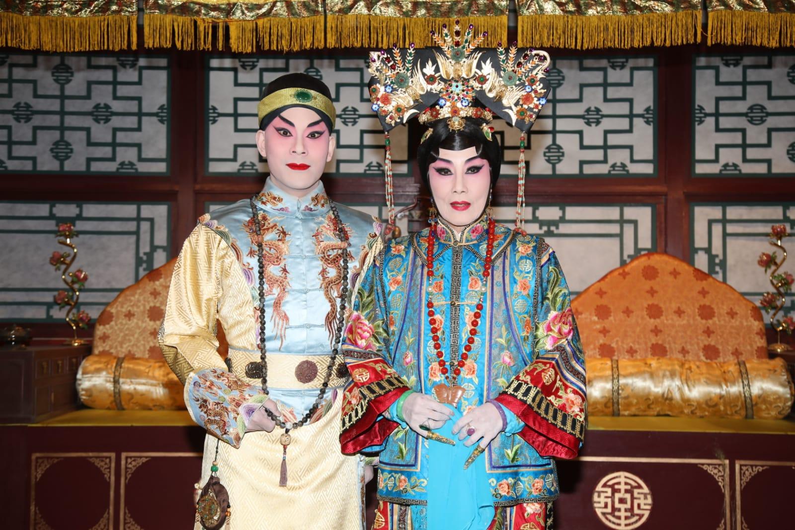 汪明荃與梁兆明在折子戲中演母子情仇。