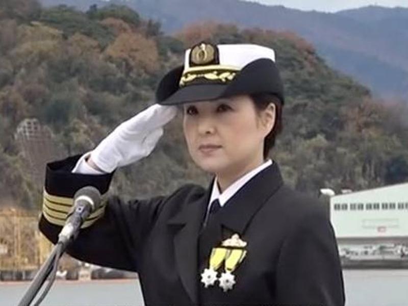 日本首位女性宙斯盾艦艦長大谷三穗正式就職。(網圖)
