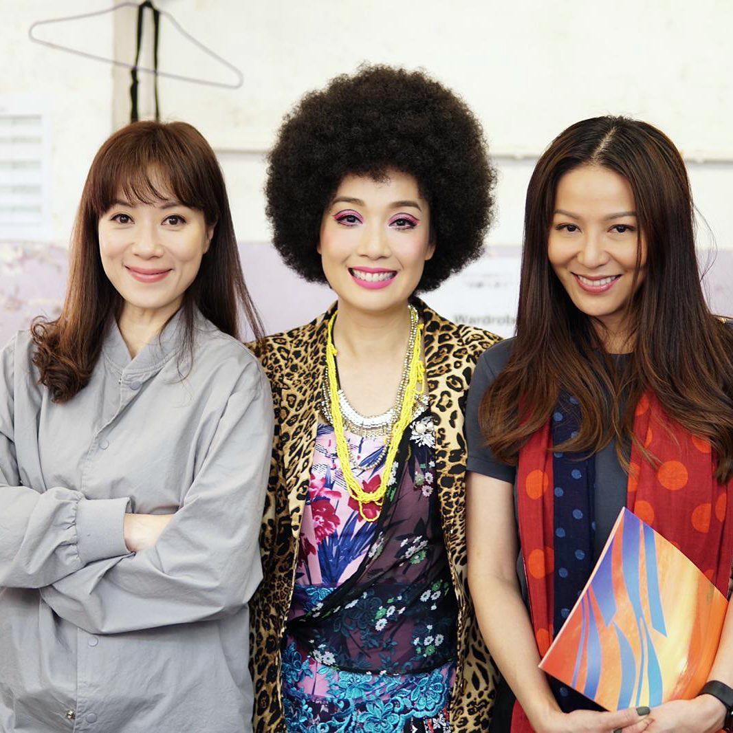 離開TVB後,今年美儀跟張可頤演過舞台劇《但願人長久》,老友滕麗名嚟探班。