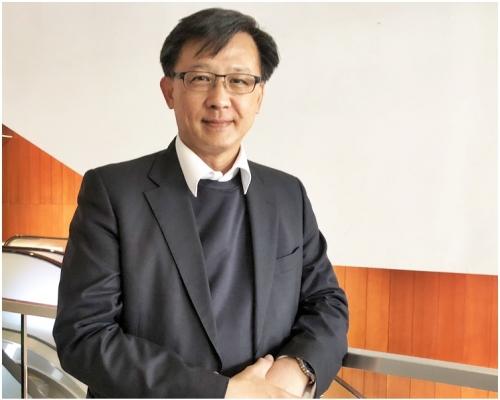 何君堯獲中國政法大學頒發名譽博士學位