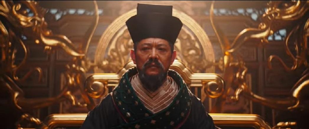 李連杰的皇帝造型霸氣十足。