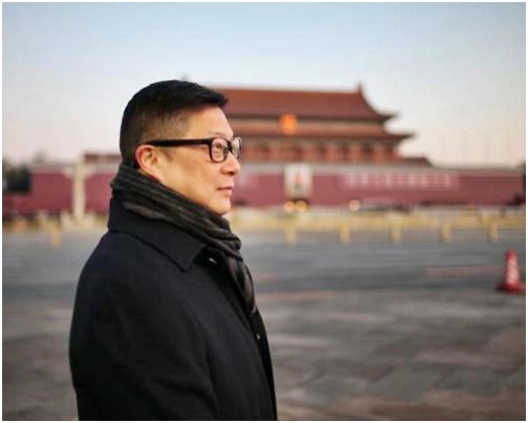 鄧炳強首次在北京近距離觀看升旗儀式。央視新聞圖片
