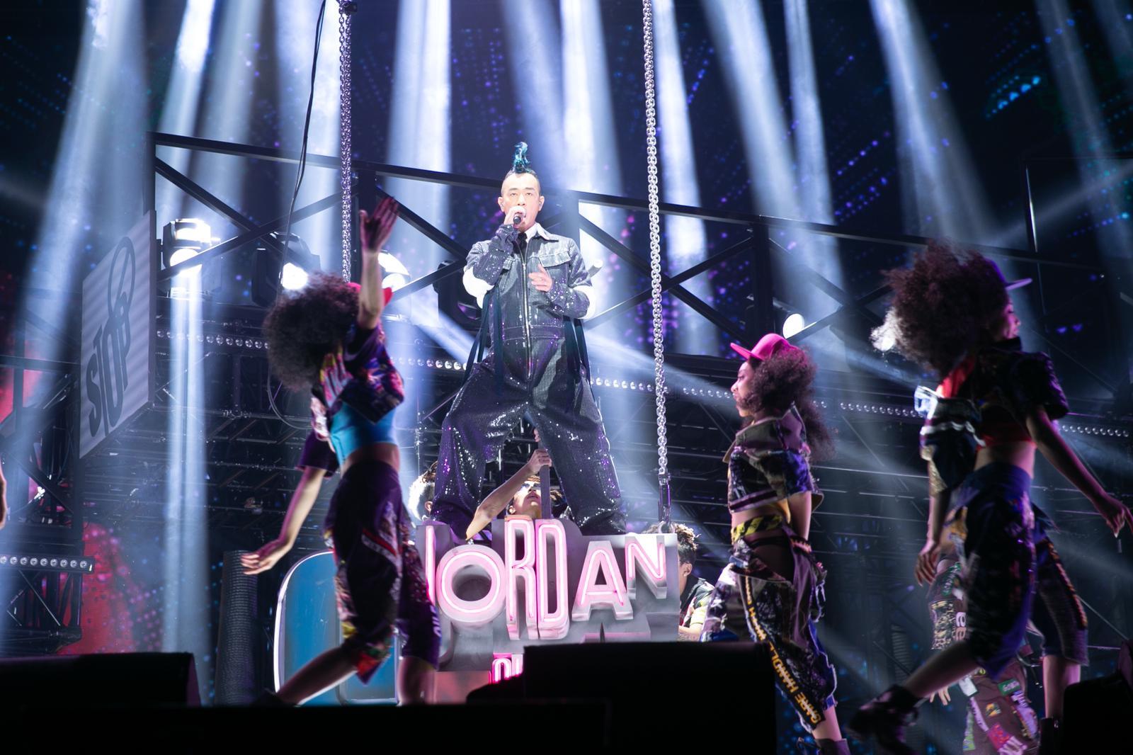 陳小春台北首個個唱如常舉行。