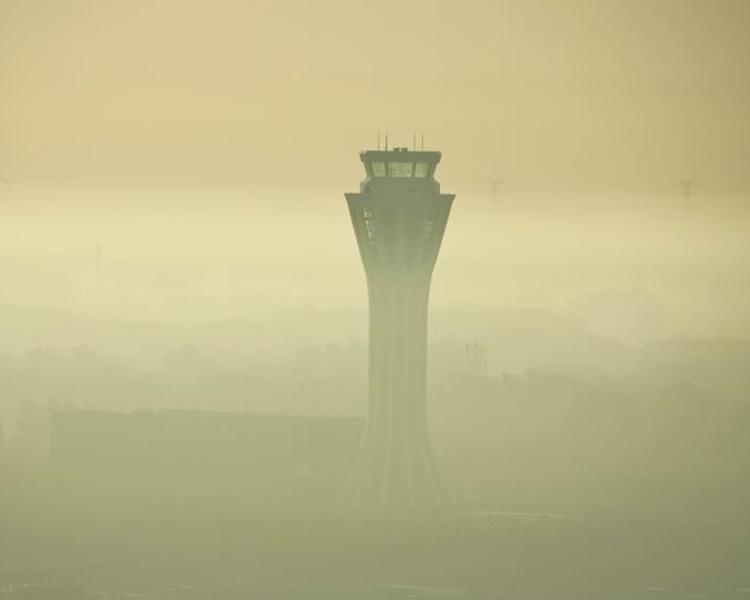 首都機場能見度下降至100至500米。網圖