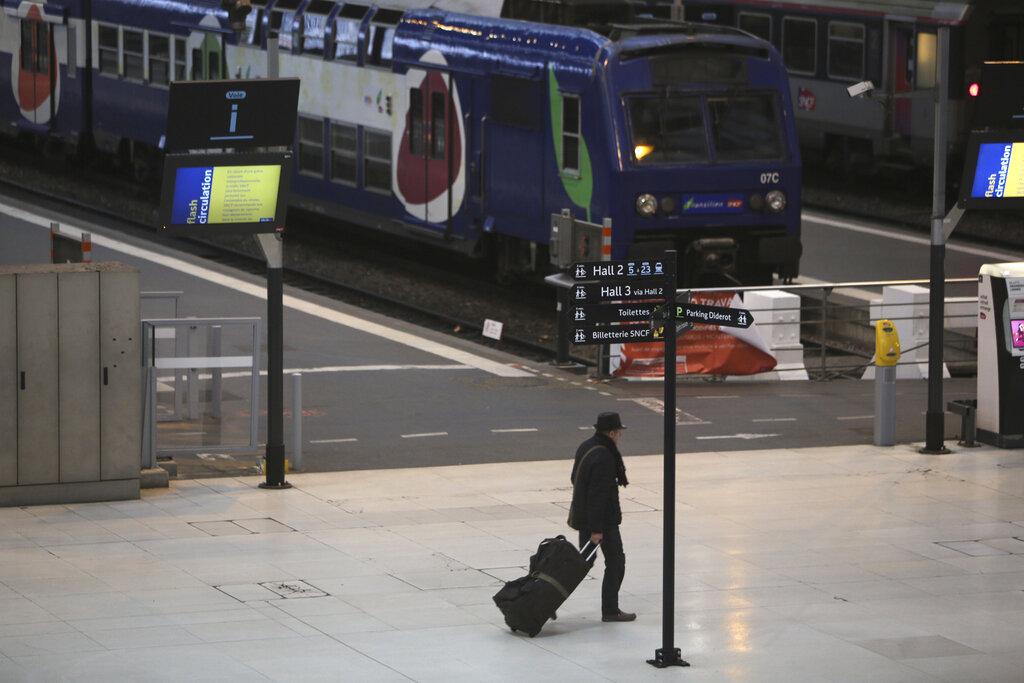 旅客大受影響。AP