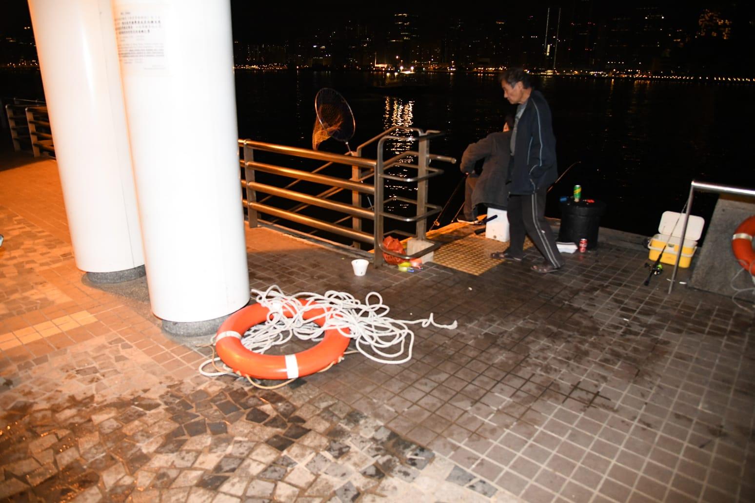 37歲女子尖沙嘴海旁墮海,獲救送院。