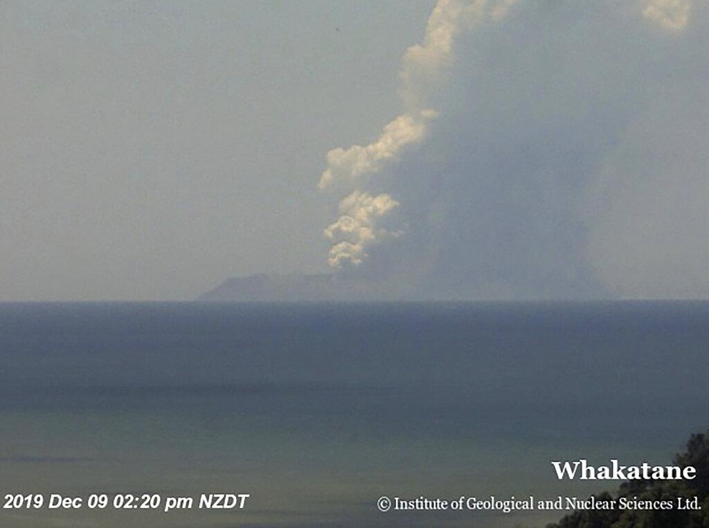 懷特島火山爆發。AP