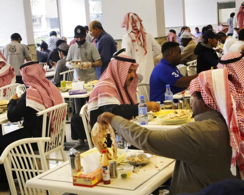 沙特實施改革 不再強制餐廳性別隔離
