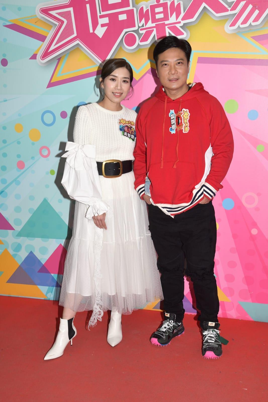 錢嘉樂(右)與黃智雯主演的舞台劇《今晚打老虎》下月公演。