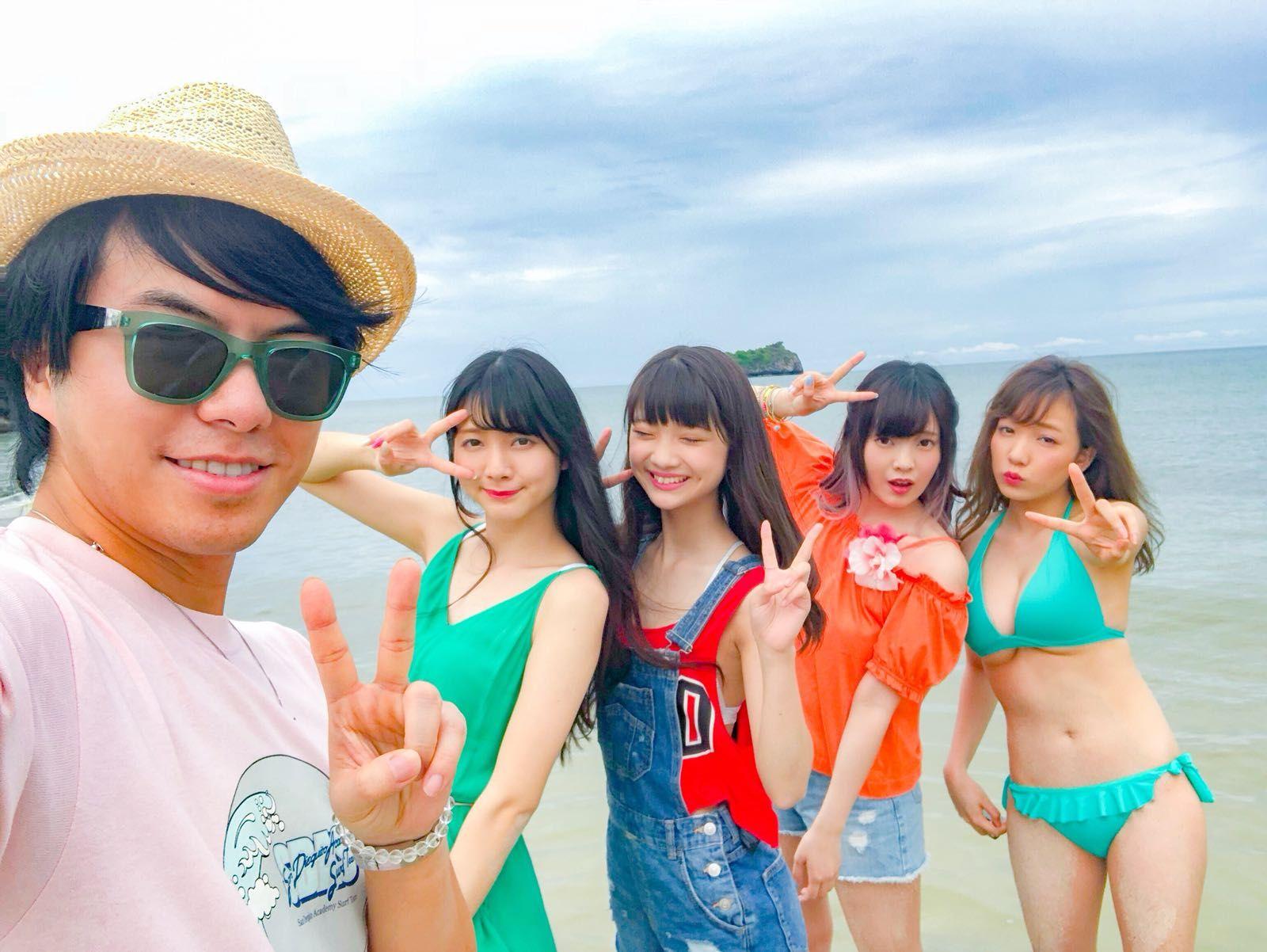 王友良經常發掘有潛質嘅日本美少女入行。
