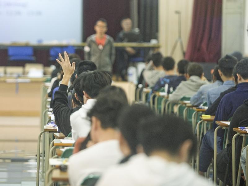 今年中學文憑試有逾6,000名重考生。資料圖片