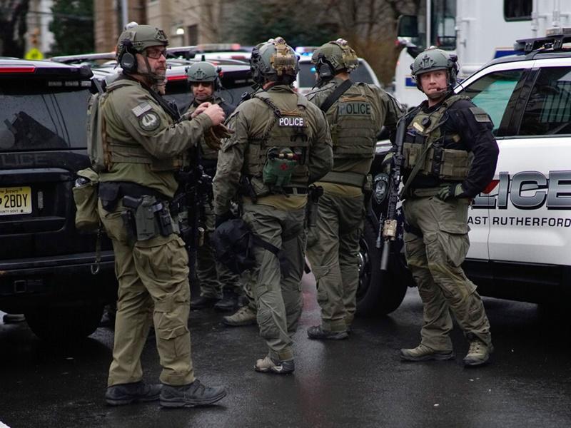 新泽西州爆枪击案。