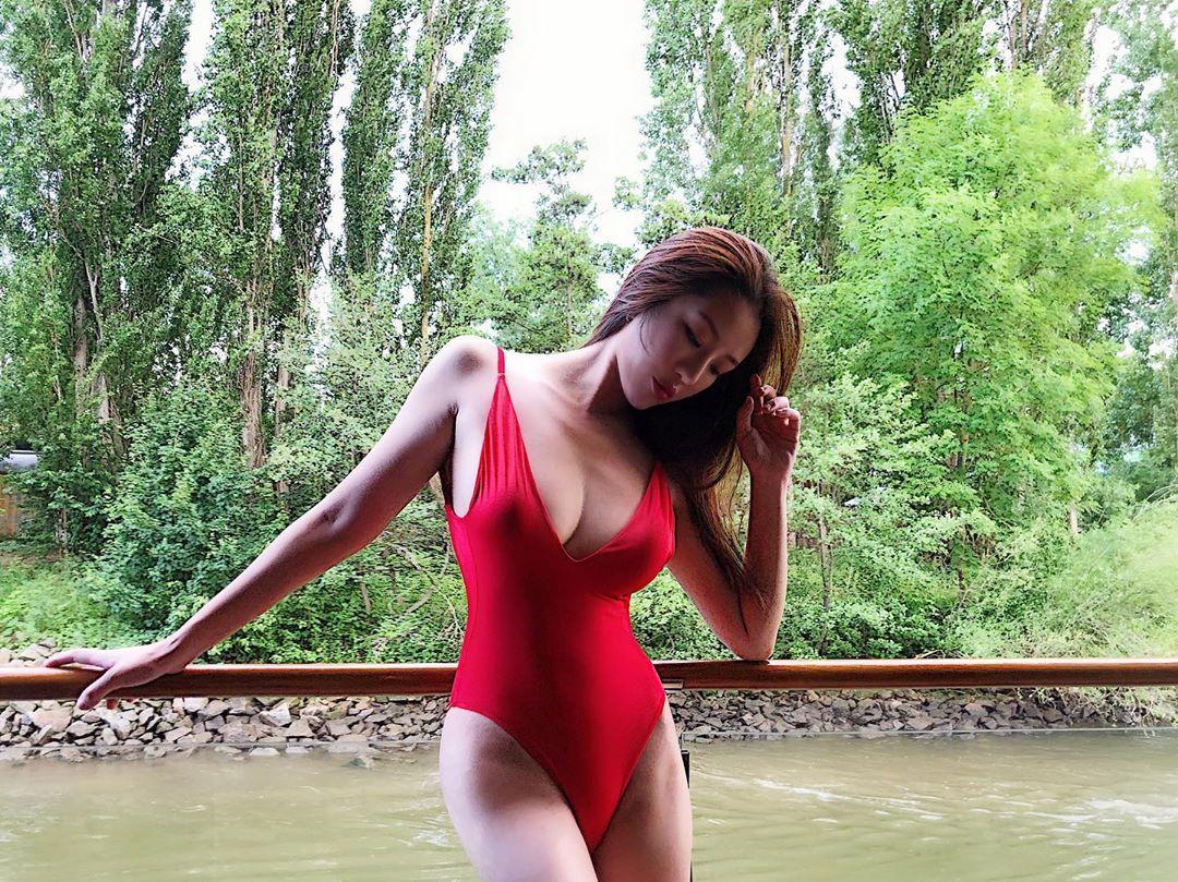 36G咪神崔碧珈今年4月被本報獨家爆撻着吳浩康。