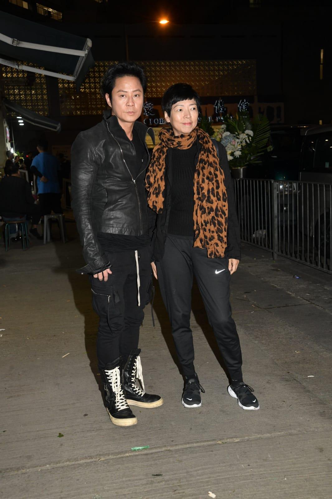 蔡一傑(左)