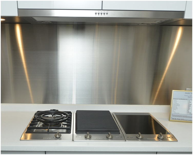 消委會指,抽油煙機底部與煮食爐具頂部應最少距離65厘米,以防高溫影響其安全操作。資料圖片